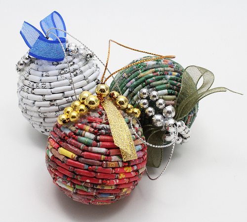 recycled-christmas-ornaments-gnksraxt (1)