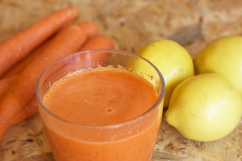 licuado detox zanahoria y limon